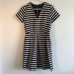 Gap Women's Fit and Flare Striped Dress Navy White
